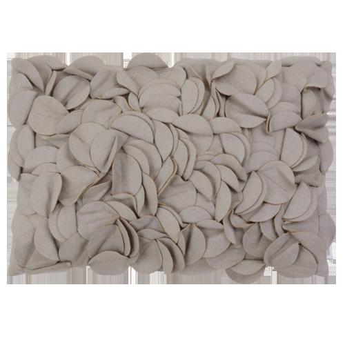 Bladexplosie licht oud grijs kussen hinck amsterdam woonaccessoires met bijzondere texturen met oog voor detail van een hoge kwaliteit