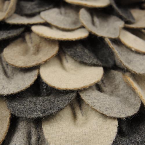 467-mixed grijs-wolvilten kussen chips mixed (35x50cm)-2