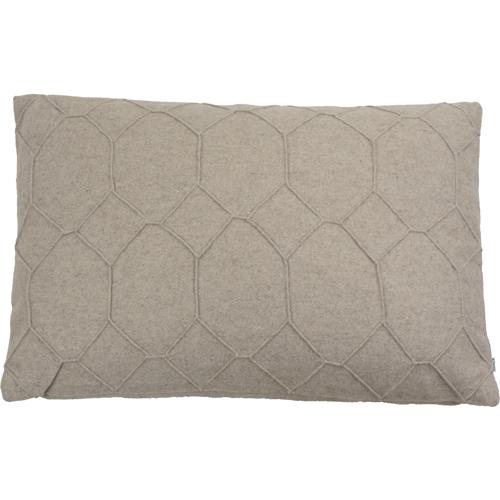 hexagon beige kussen taupe zand naturel hinck amsterdam wolvilt 40x60cm woonaccessoires met bijzondere texturen met oog voor detail, handgemaakt en of handgeweven