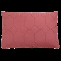 hexagon mineral red kussen diep roze hinck amsterdam wolvilt 40x60cm woonaccessoires met bijzondere texturen met oog voor detail, handgemaakt en of handgeweven