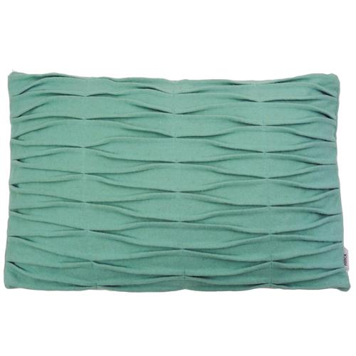 wave aqua kussen blauw hinck amsterdam woonaccessoires met bijzondere texturen met oog voor detail van een hoge kwaliteit