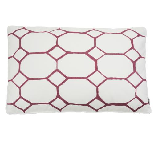Hexagon bedrukt berry kussen hinck amsterdam woonaccessoires met bijzondere texturen met oog voor detail van een hoge kwaliteit