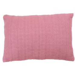 Wieber berry medium kussen hinck amsterdam woonaccessoires met bijzondere texturen met oog voor detail van een hoge kwaliteit