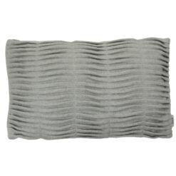 small wave light grey kussen hinck amsterdam woonaccessoires met bijzondere texturen met oog voor detail van een hoge kwaliteit