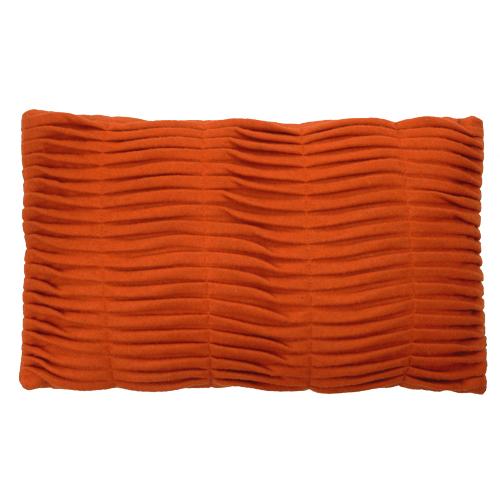 small wave orange kussen hinck amsterdam woonaccessoires met bijzondere texturen met oog voor detail van een hoge kwaliteit