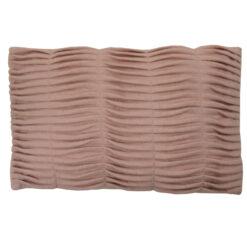 small wave pale pink kussen hinck amsterdam woonaccessoires met bijzondere texturen met oog voor detail van een hoge kwaliteit