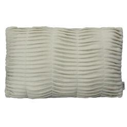 small wave pearl white kussen hinck amsterdam woonaccessoires met bijzondere texturen met oog voor detail van een hoge kwaliteit