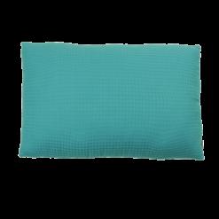 wafel light blue medium kussen blauw hinck amsterdam woonaccessoires met bijzondere texturen met oog voor detail van een hoge kwaliteit