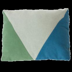 envelop green kussen blauw hinck amsterdam woonaccessoires met bijzondere texturen met oog voor detail van een hoge kwaliteit