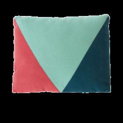 envelop pink kussen hinck amsterdam woonaccessoires met bijzondere texturen met oog voor detail van een hoge kwaliteit