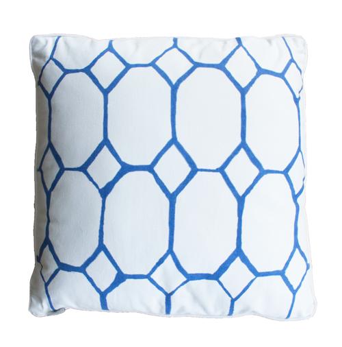 hexagon bedrukt bright blue vierkant blue hinck amsterdam woonaccessoires met bijzondere texturen met oog voor detail van een hoge kwaliteit