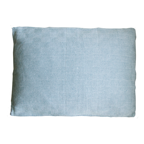 Chess blauw wit large kussen hinck amsterdam woonaccessoires met bijzondere texturen met oog voor detail van een hoge kwaliteit