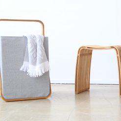 Interieur inspiratie bamboe bamboo naturel spiegel wasmand tijdschriftenbak krukje badkamer slaapkamer nieuwste trend vernieuwend hinck amsterdam woonaccessoires