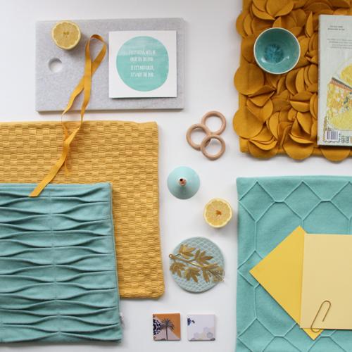 Interieur inspiratie geel oker ochre blauw aqua zomers moodboard trend kussens vernieuwend hinck amsterdam woonaccessoires