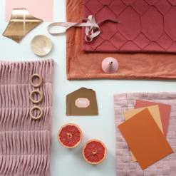 Interieur inspiratie roze oranje zacht rood moodboard trend kussens vernieuwend hinck amsterdam woonaccessoires