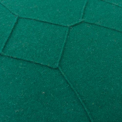 hexagon cadmium green detail kussen donker groen hinck amsterdam wolvilt 40x60cm woonaccessoires met bijzondere texturen met oog voor detail, handgemaakt en of handgeweven