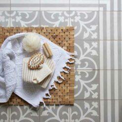 Interieur inspiratie bamboe bamboo naturel spiegel wasmand houten badmatten tijdschriftenbak krukje badkamer slaapkamer nieuwste trend vernieuwend hinck amsterdam woonaccessoires