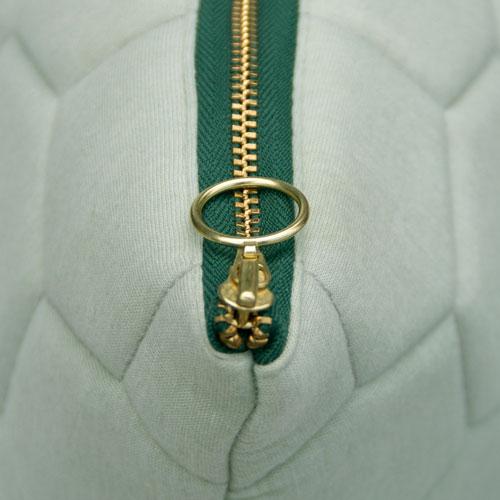 jersey hexagon Puff dewgreen-peacock zip detail kussen mint zacht groen gekleurde rits hinck amsterdam jersey 50x50cm woonaccessoires met bijzondere texturen met oog voor detail, handgemaakt en of handgeweven