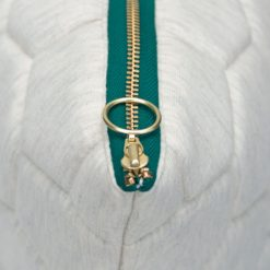 jersey hexagon Puff ivory-peacock zip detail kussen naturel gekleurde rits hinck amsterdam jersey 50x50cm woonaccessoires met bijzondere texturen met oog voor detail, handgemaakt en of handgeweven