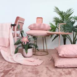 Interieur inspiratie roze oudroze zachtroze pink softpink kussens nieuwste trend vernieuwend hinck amsterdam woonaccessoires