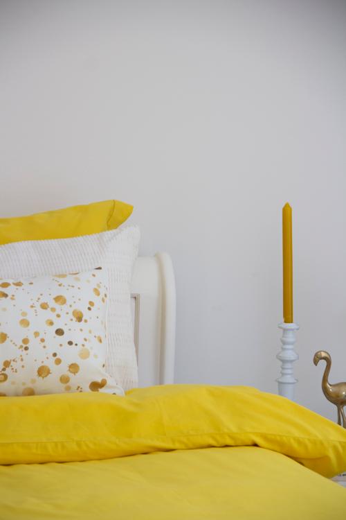 Interieur inspiratie beddengoed dekbedovertrek geel oker ochre ocre 300TC beste kwaliteit gekleurd bedding kussens vernieuwend hinck amsterdam woonaccessoires